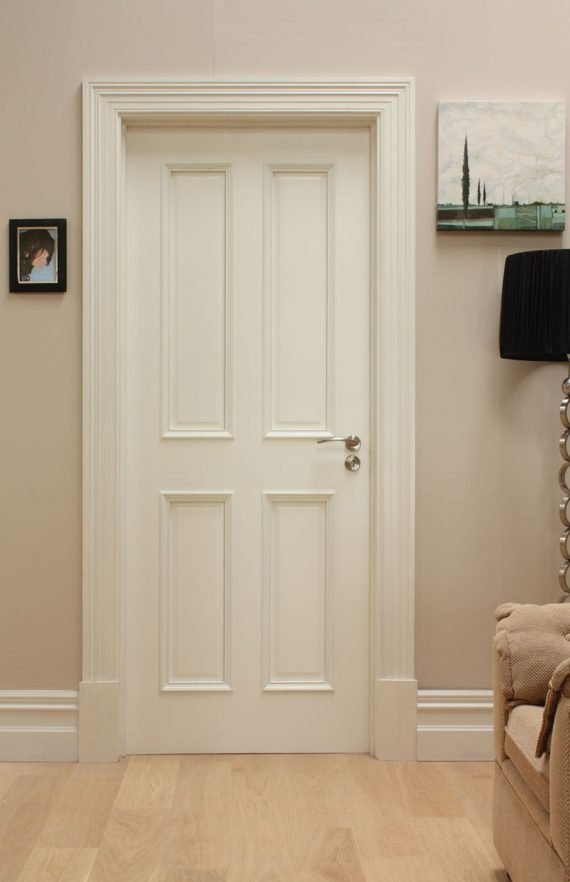 WR1 primed white door